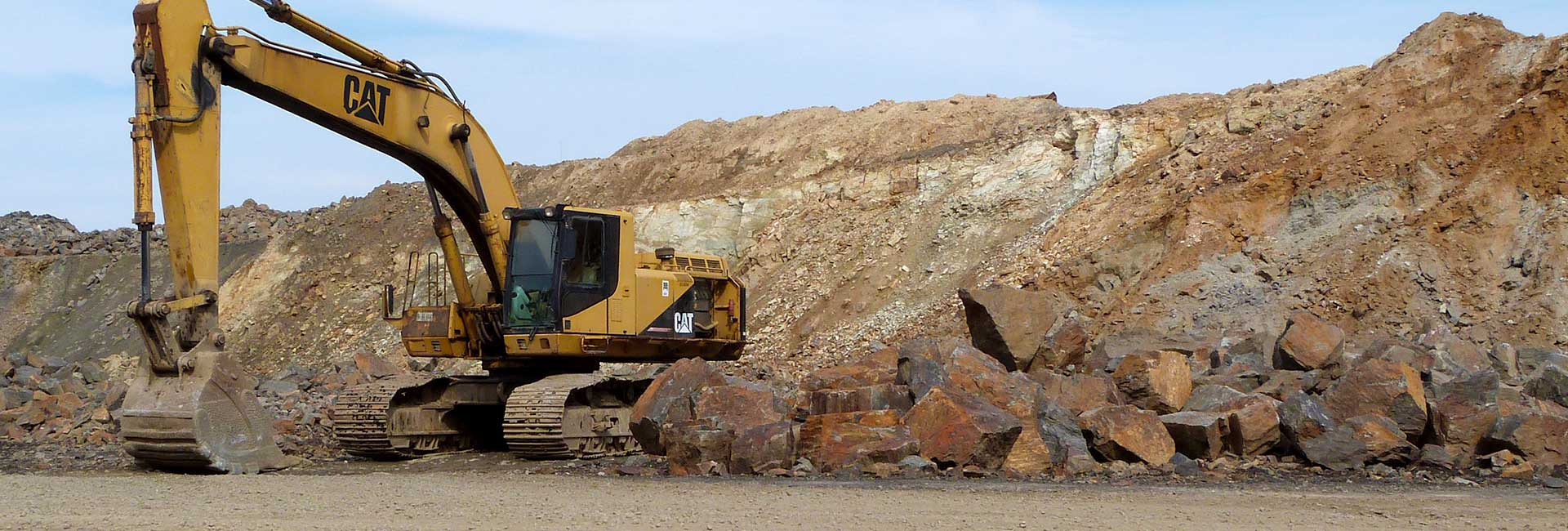 Ecavation, snow removal in Maine, Mooring Stones, Road Construction, Raw Materials